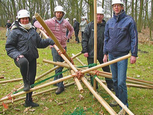 Catapult building Team4Teams